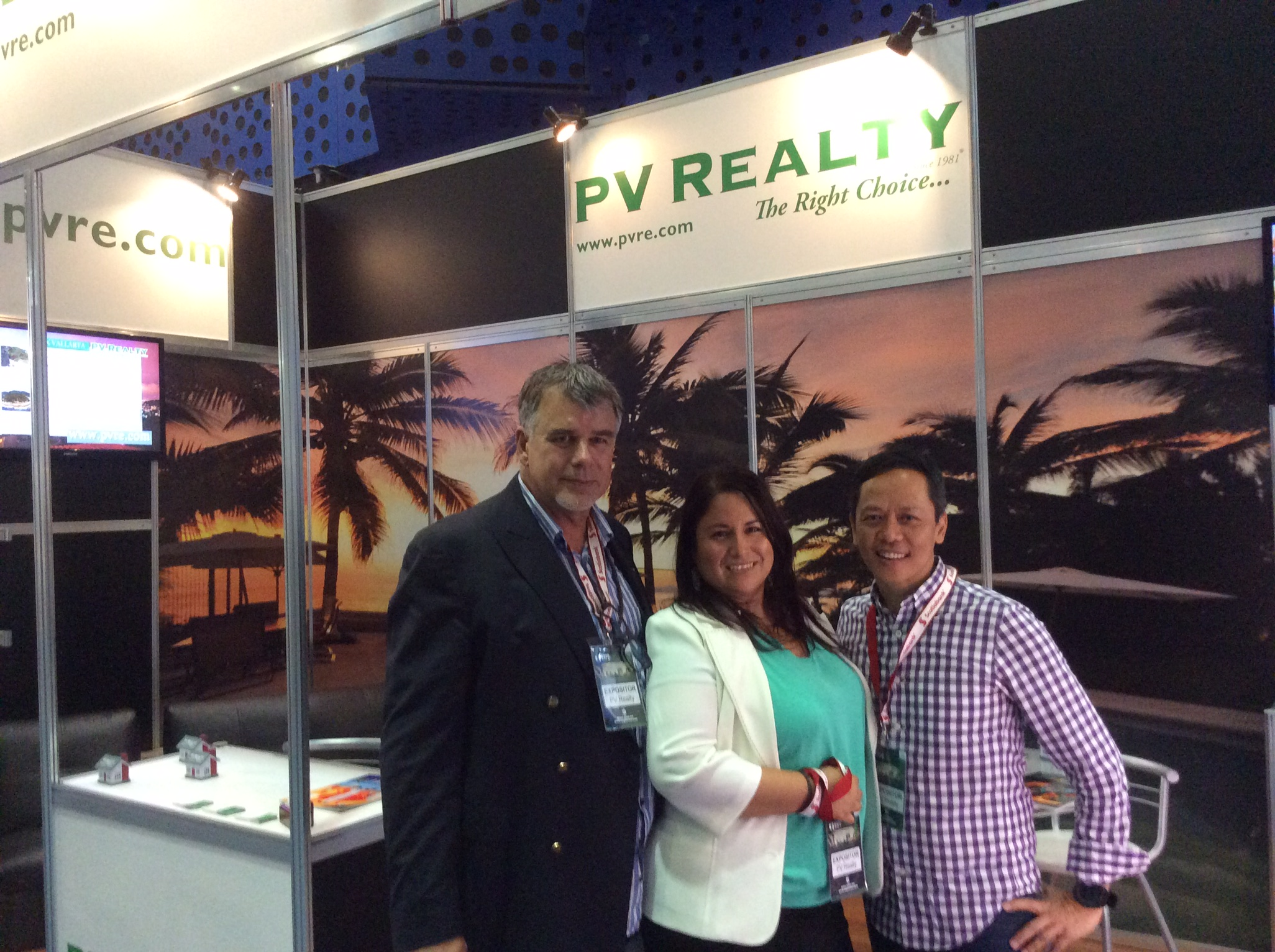 Expo SIME 2015  PV Realty, Trabajando para sus distinguidos clientes.  PV Realty  Working for its distinguished clients. IMG 2308