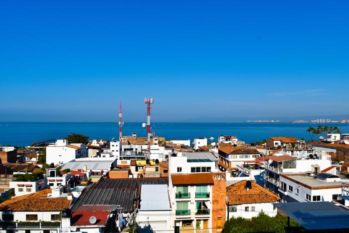 Condo-5-Flores-Puerto-Vallarta-Real-Estate
