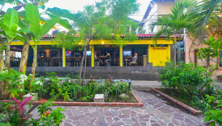 Street_Bar_Puerto_Vallarta_Real_estate--14