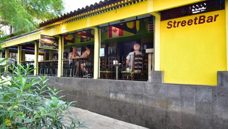 Street_Bar_Puerto_Vallarta_Real_estate--40