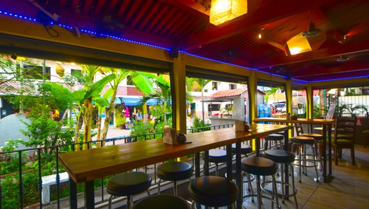 Street_Bar_Puerto_Vallarta_Real_estate--7