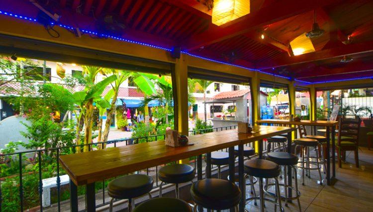 Street_Bar_Puerto_Vallarta_Real_estate--7