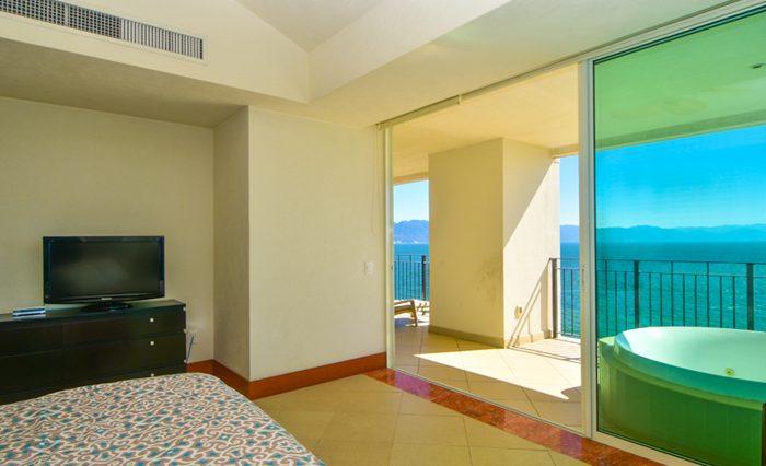 Grand-Venetian-Torre-2000-901-Puerto-Vallarta-Real-Estate-PV-Realty--35