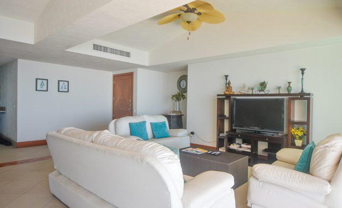 Grand-Venetian-Torre-2000-901-Puerto-Vallarta-Real-Estate-PV-Realty--52